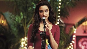 Shraddha-Kapoor-in-a-still-from-Aashiqui-2-crop