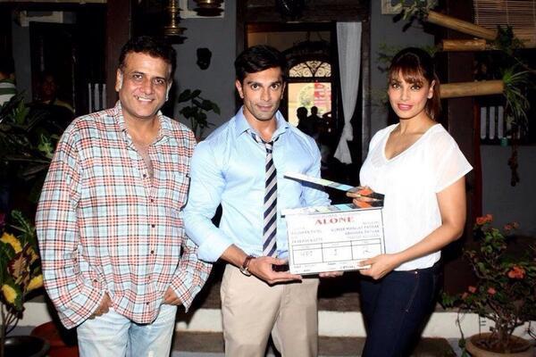मुंबई में फ़िल्म के मुहूर्त के दौरान भूषण, करन और बिपाशा।