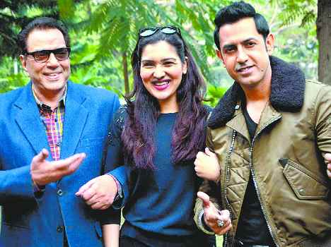 gippy-grewal-dharmendra-govinda-narmada-ahuja-bollywood-second-hand-husband-movie-chandigarh-photo-gallery-5476cf5909afb_exlst